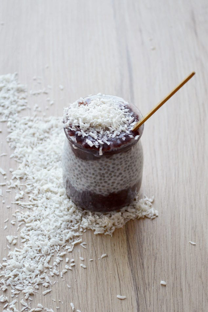 Pudding de Chia – Rose, açai & litchi