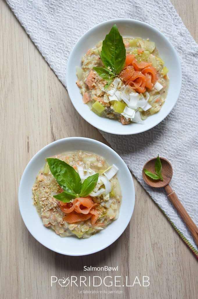 Salmon Bøwl – Porridge salé aux poireaux et saumon