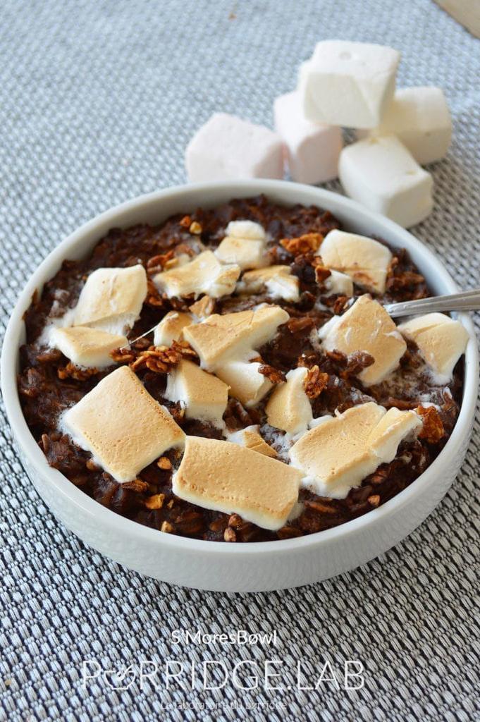 S'mores Bøwl – Porridge au four cacao marshmallow